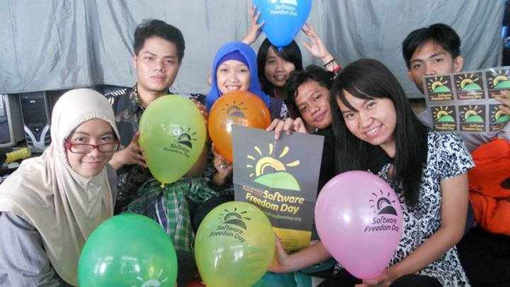 Celebrate Software Freedom Day 2013